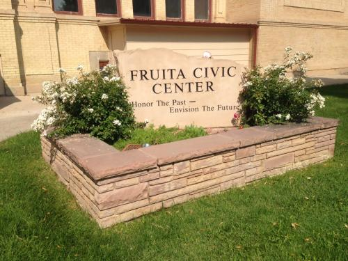 fruitacivic center sign